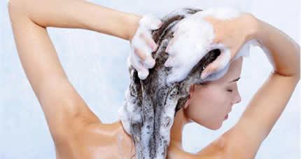 saçlar için en iyi şampuan